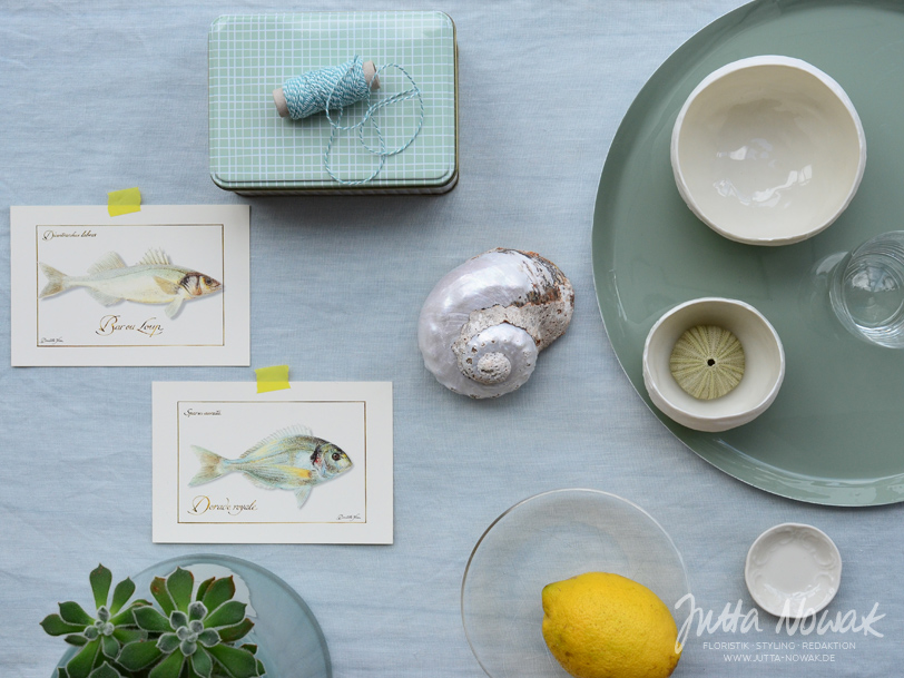 jutta-nowak-blog-styling-collage-sommer-gruentoene-gelb-muschel-fische-materialauswahl3