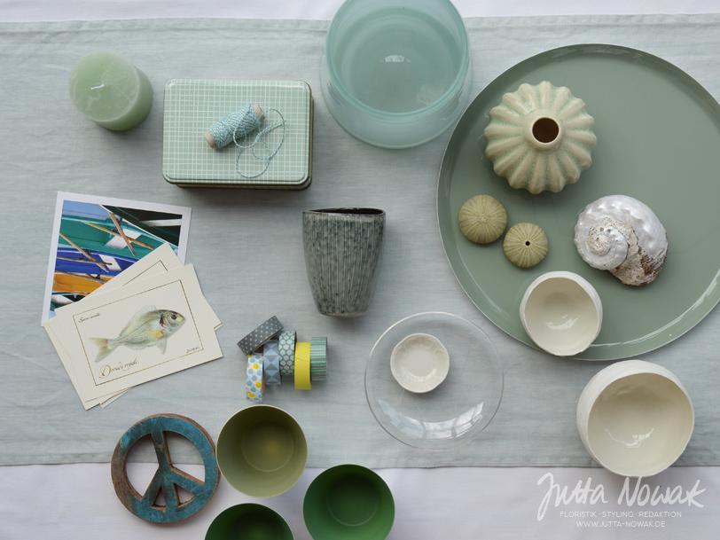 jutta-nowak-blog-styling-collage-sommer-gruentoene-gelb-muschel-fische-materialzusammenstellung