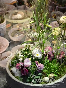 Jutta Nowak Frühlingsausstellung 2015: Pflanzschale mit Frühlingsblühern