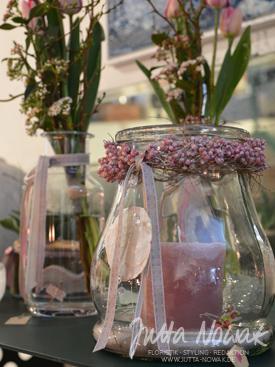 Jutta Nowak Frühlingsausstellung 2015: Windlicht mit Kranz aus rosa Pfeffer