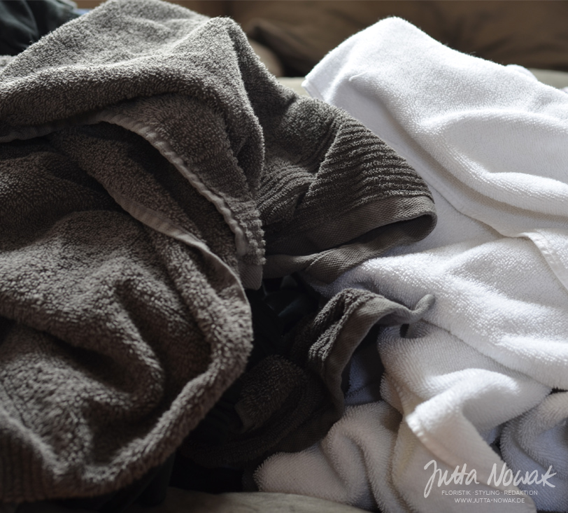 Jutta Nowak Blog: 12 von 12 März 2016 - Wäsche falten