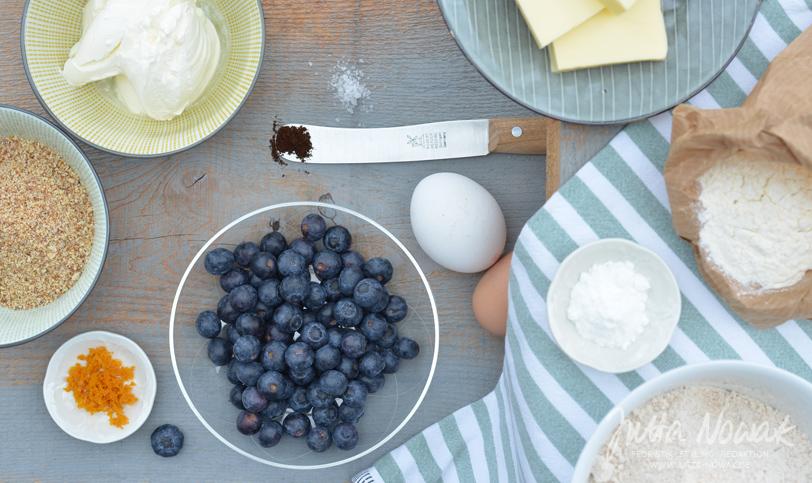 Jutta Nowak Blog: Zutaten für einen Dinkel-Vollkorn Mandelkuchen mit Blaubeeren und Schmandguss