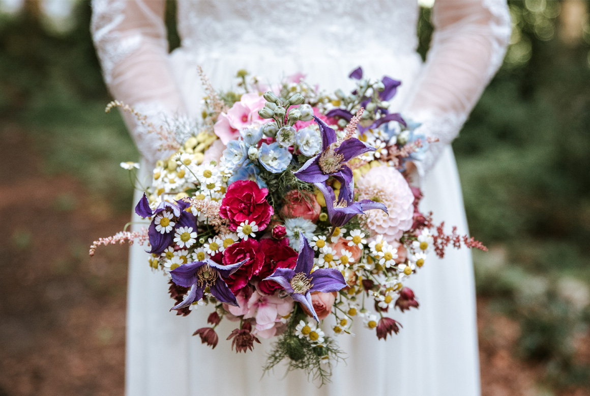 Jutta Nowak I Floristik I Hochzeit I Wiesen Brautstrauß I Sommer I bunt