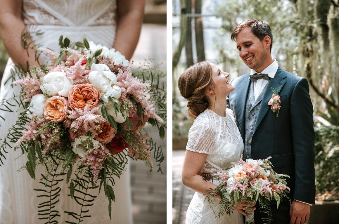 Jutta Nowak I Floristik I Hochzeit I lockerer Brautstrauß + Anstecker I Farn I Apricot, Rosa, Weiß, Grünt